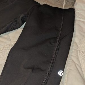 Lululemon crop leggings (size 4 XS)